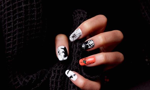 Szalone pomysły na paznokcie na Halloween