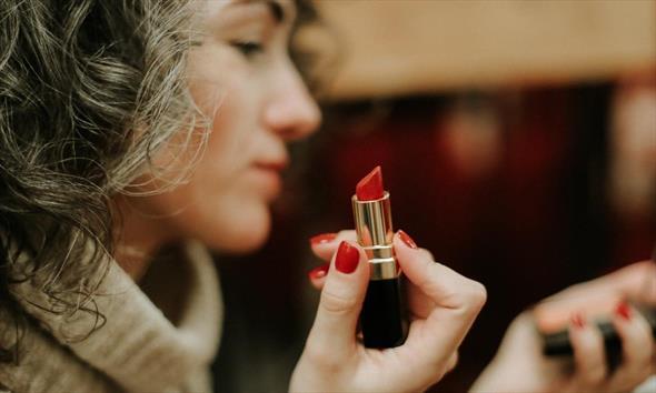 Katalogi Avon – atrakcyjny sposób na zakup kosmetyków