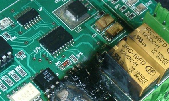 Jak piorun może zniszczyć elektronikę?