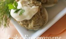 Jak zrobić jajka faszerowane pieczarkami i cebulą z majonezem?