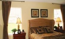Jak urządzić sypialnię w ciepłych kolorach?