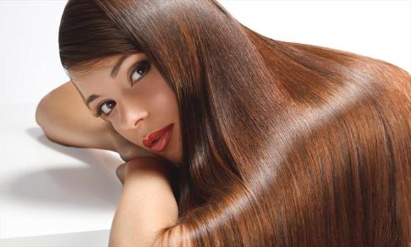 Olejek rycynowy- jak działa na włosy, rzęsy i paznokcie?