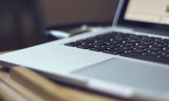 Internet mobilny – jak można go wykorzystać w pracy i do nauki?