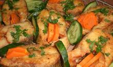 Dzwonka szczupaka dekorujemy warzywami i natką pietruszki. Zdj. mojego autorstwa.