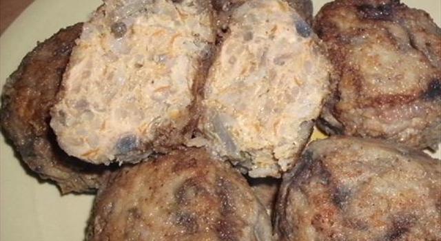 Lista składników: - mięso mielone - 80 dag - kapusta modra...