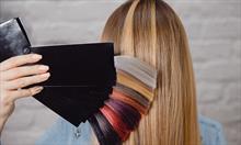 Farby do włosów – jak dobrać kolor, który idealnie podkreśli naszą urodę?