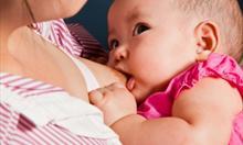 Źródło:http://www.freedigitalphotos.net/images/ Family_g212-Breast_Feeding_p31058.html