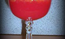 Jak zrobić orzeźwiającego drinka ze świeżych owoców granatu i  czerwonej pomarańczy?