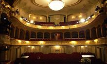 Źródło zdjęcia: http://commons.wikimedia.org/wiki/File:Teatr_im._Wilama_Horzycy_-_widownia.jpg