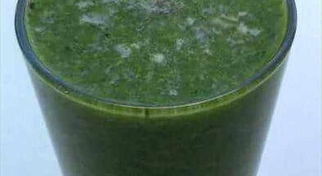 zielone smoothie - zdrowy koktajl oczyszczający