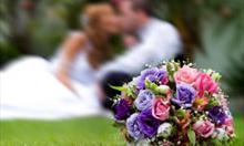 Jak wybrać; okulary czy szkła kontaktowe na ślub?