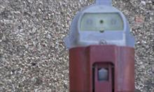 Jak wymienić żarówkę świateł mijania w Toyocie Corolli Verso?